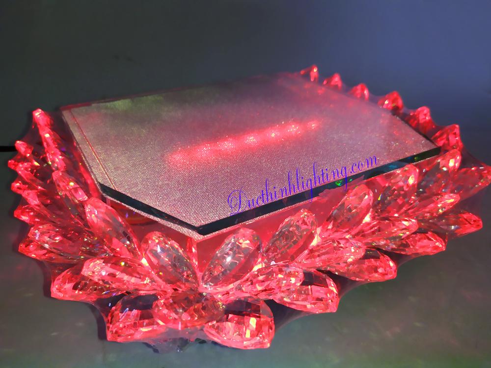 Đài Sen Pha Lê LED Đổi Màu 16x18