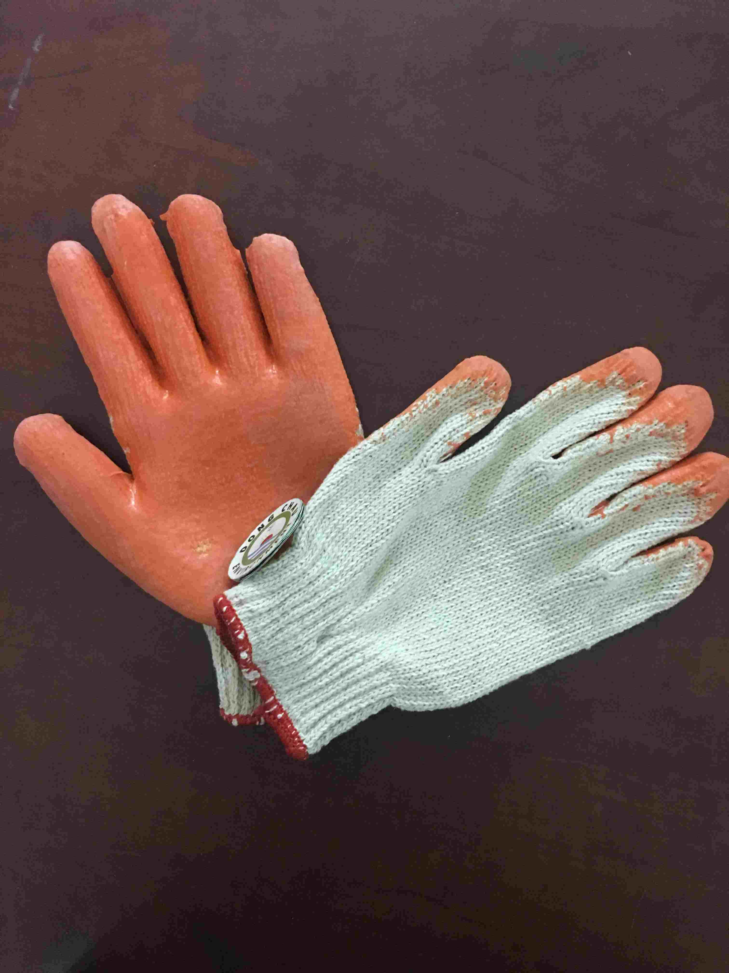Găng tay phủ sơn màu cam