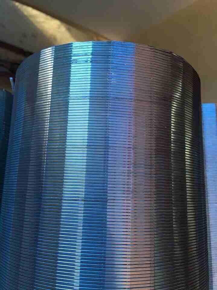 Ống Lọc Khe Inox Đường Kính 114mm Khe 0.3mm Dài 1m DOE