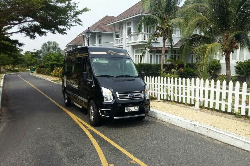 Xe Limousine 9 chỗ Sài Gòn Mũi Né