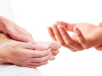 Người tiểu đường cần chú ý đến bệnh tê bì tay chân vào mùa đông