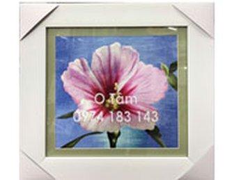Tranh thêu hoa Mugung- món quà chị Thảo gửi tặng đến Sếp của mình nhân dịp sinh nhật.
