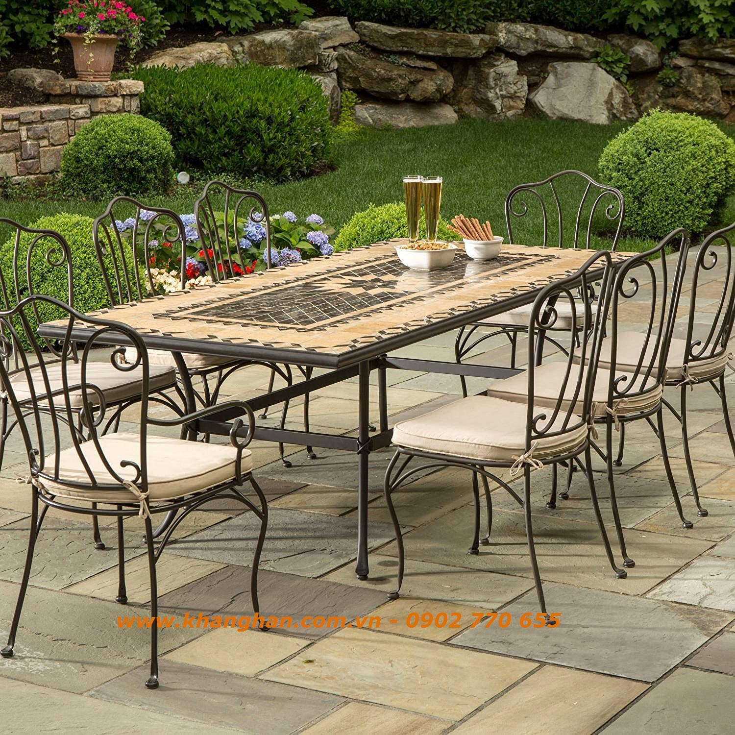 Outdoor Dining Furniture With Beautiful Iron Art KH BG008