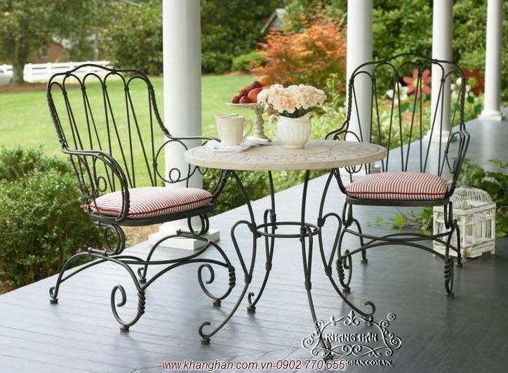 Bàn ghế sắt cao cấp cho sân vườn đẹp