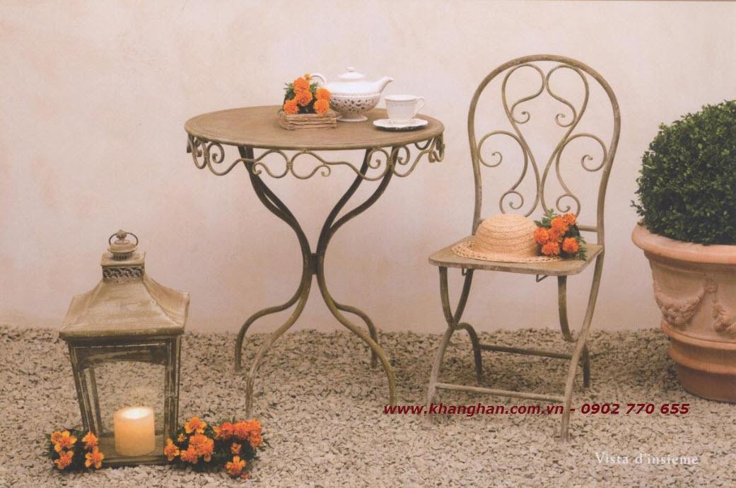 Bộ bàn ghế sắt rèn mỹ thuật đẹp cùng phong cách Nostalgia