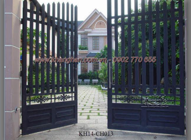 Cổng sắt hộp nghệ thuật cho nhà biệt thự đẹp KH14-CSH013