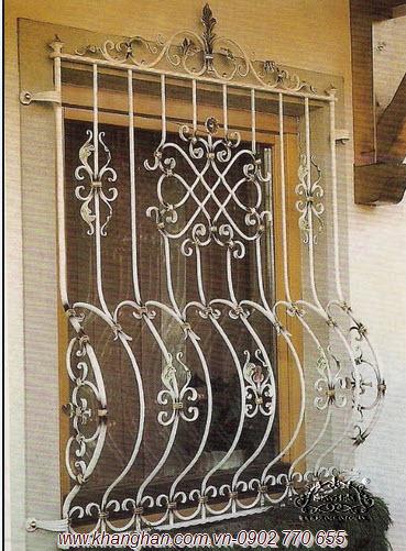 Cửa sổ sắt rèn nghệ thuật đẹp với phụ kiện sắt
