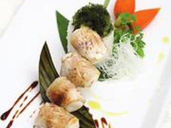 Cá hireko nướng và rong nho xào