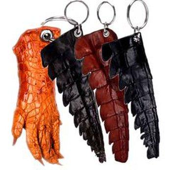 HG8214-15-16-17 - Móc khóa da cá sấu gai đuôi nhiều màu