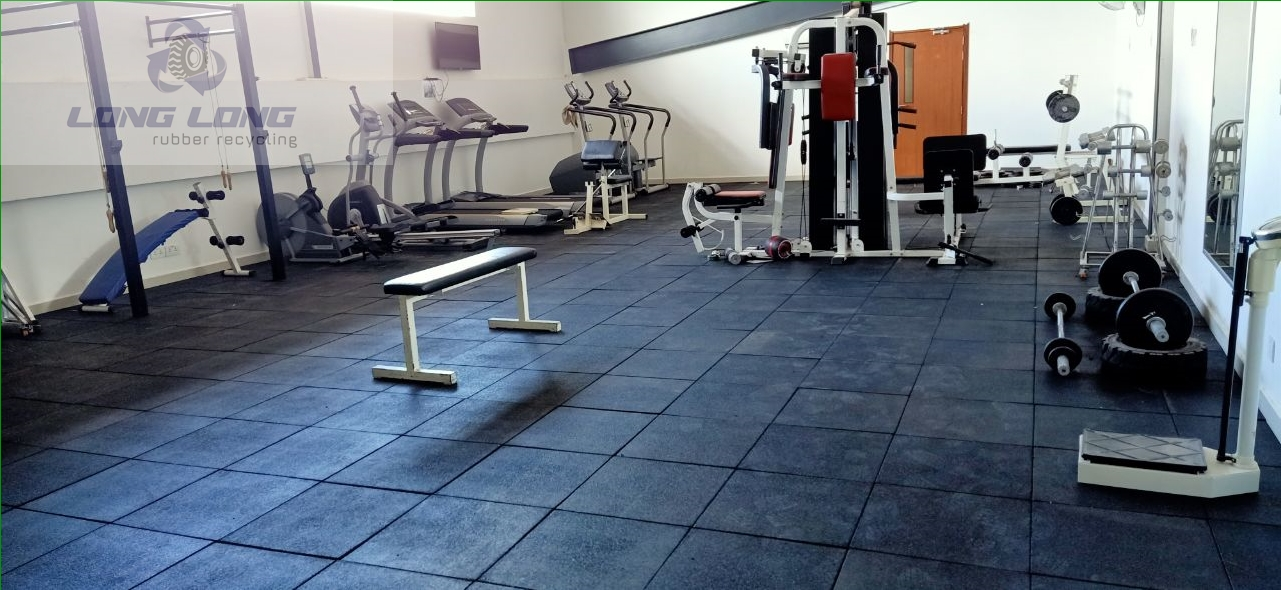 1mx1mx15mm rubber gym mat in Sweden.