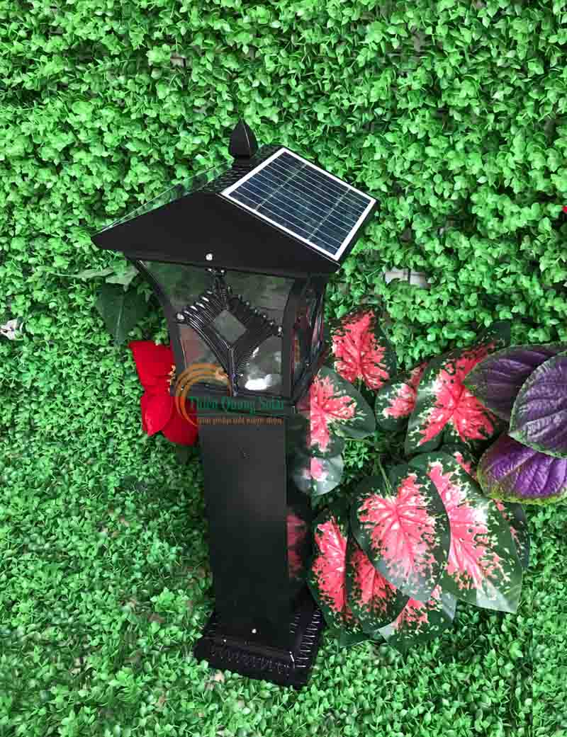 Đèn sân vườn năng lượng mặt trời TQS-4270