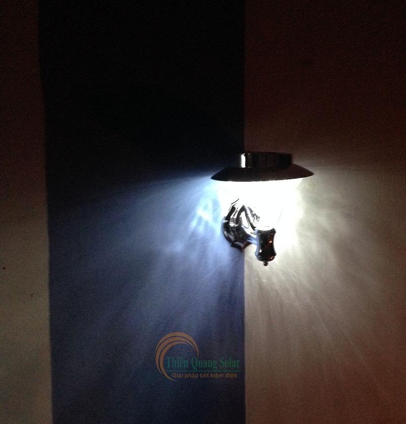 Đèn treo tường năng lượng mặt trời TQS-2050
