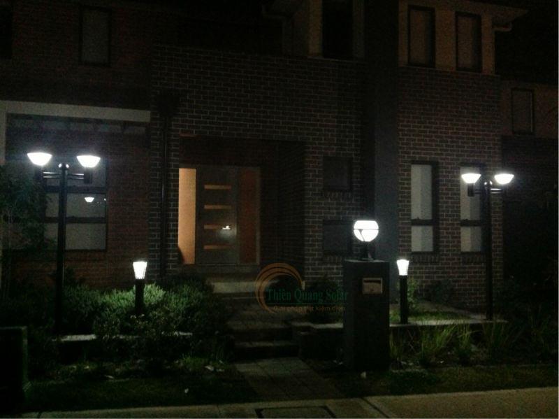 Đèn trụ cổng năng lượng mặt trời TQS-2012