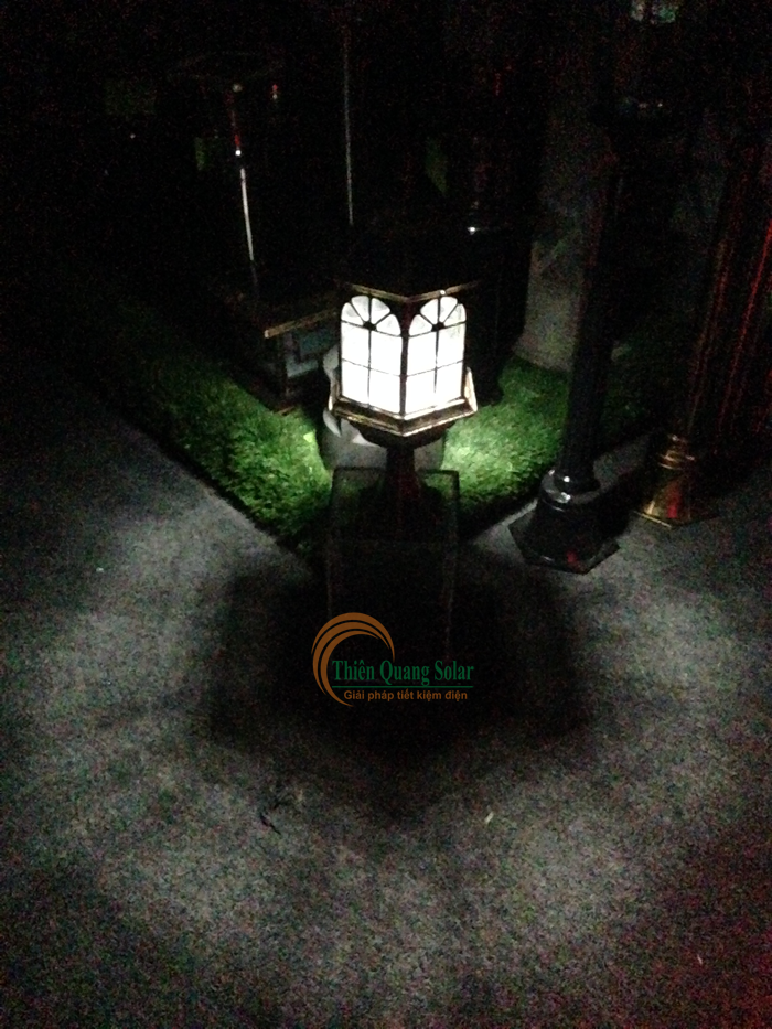 Đèn trụ cổng năng lượng mặt trời TQS-S661