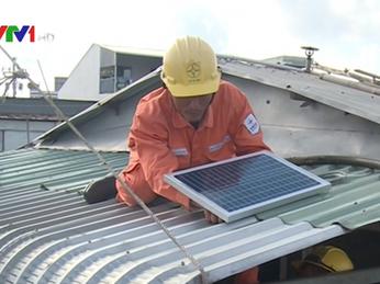 Điện năng lượng mặt trời ở chợ nổi Cái Răng