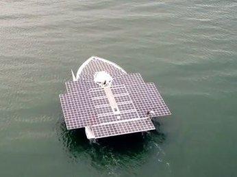 Du thuyền chạy bằng năng lượng mặt trời