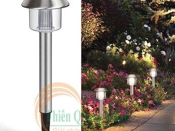 Vườn xinh với đèn năng lượng mặt trời