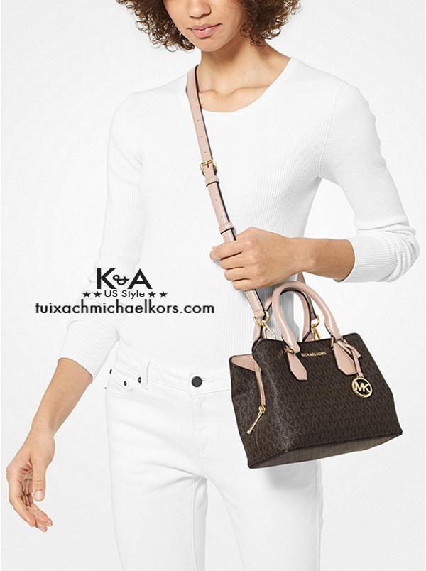 Túi xách Michael Kors màu nâuCamille Small Logo and Leather Satchel, túi xách michael kors hàng hiệu nữ dạo phố, túi xách MK giành cho nữ công sở, giỏ xách MK đeo vai hàng hiệu chính hãng màu nâu, giỏ xách MK xách tay chính hãng authentic 100%
