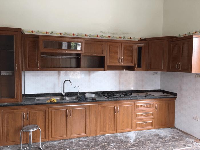 Báo giá Tủ Bếp Nhôm Kính Vân Gỗ Hà Nội & TpHCM giá rẻ 2020