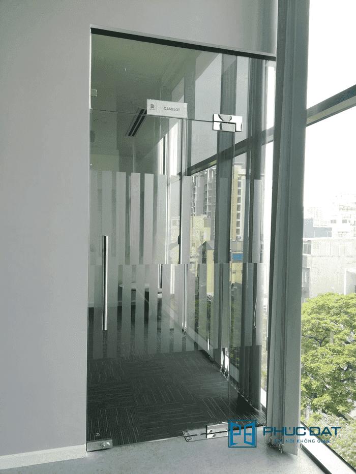 Lắp đặt Cửa Kính Bản Lề Sàn phụ kiện VVP Thái Lan giá tốt 2020