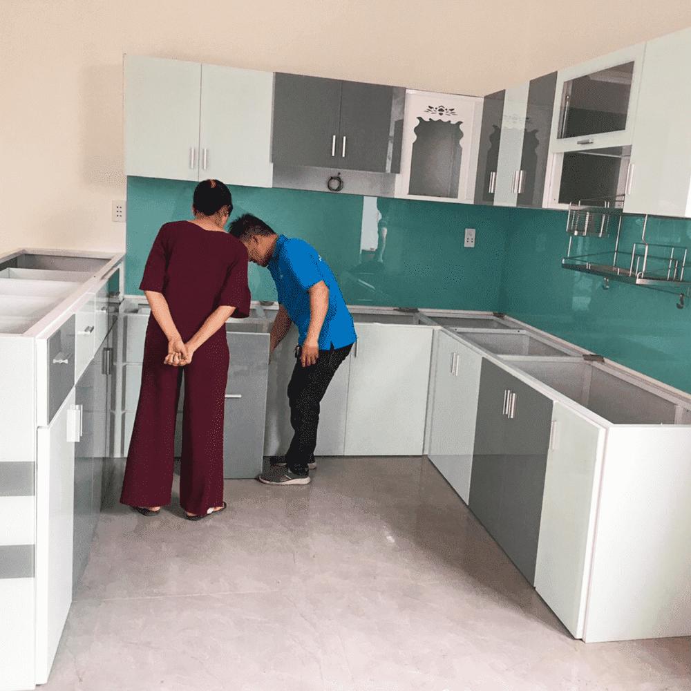 Báo giá và mẫu tủ bếp nhôm kính treo tường đẹp mới nhất 2020 – Ưu đãi đến 10%