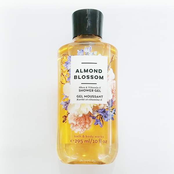 Sữa tắm Almond Blossom - Bath and Body Works 295ml