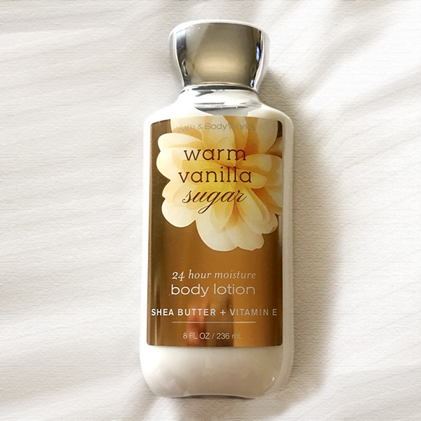 Sữa dưỡng thể Warm Vanilla Sugar - Bath and Body Works 236ml