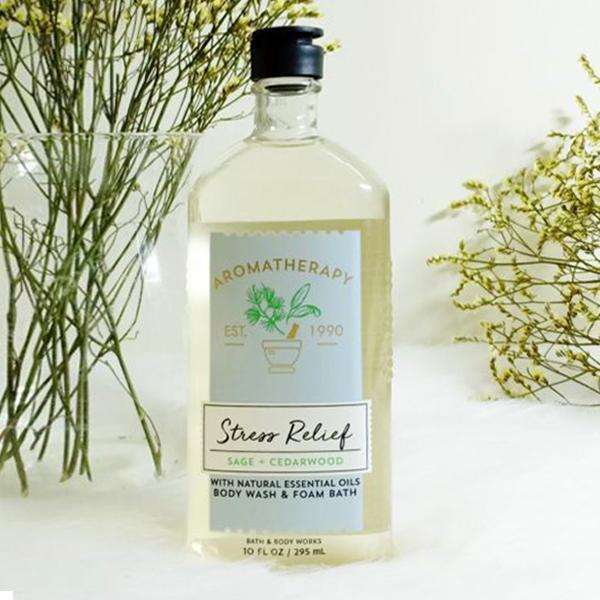 Sữa tắm trị liệu giảm stress xô thơm&gỗ tuyết tùng Sage + Cedarwood - Bath & Body Works 295ml