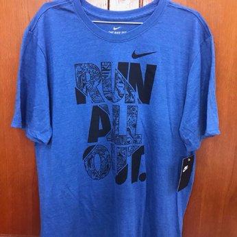 Áo thun nam Nike cổ tròn, tay ngắn AT025