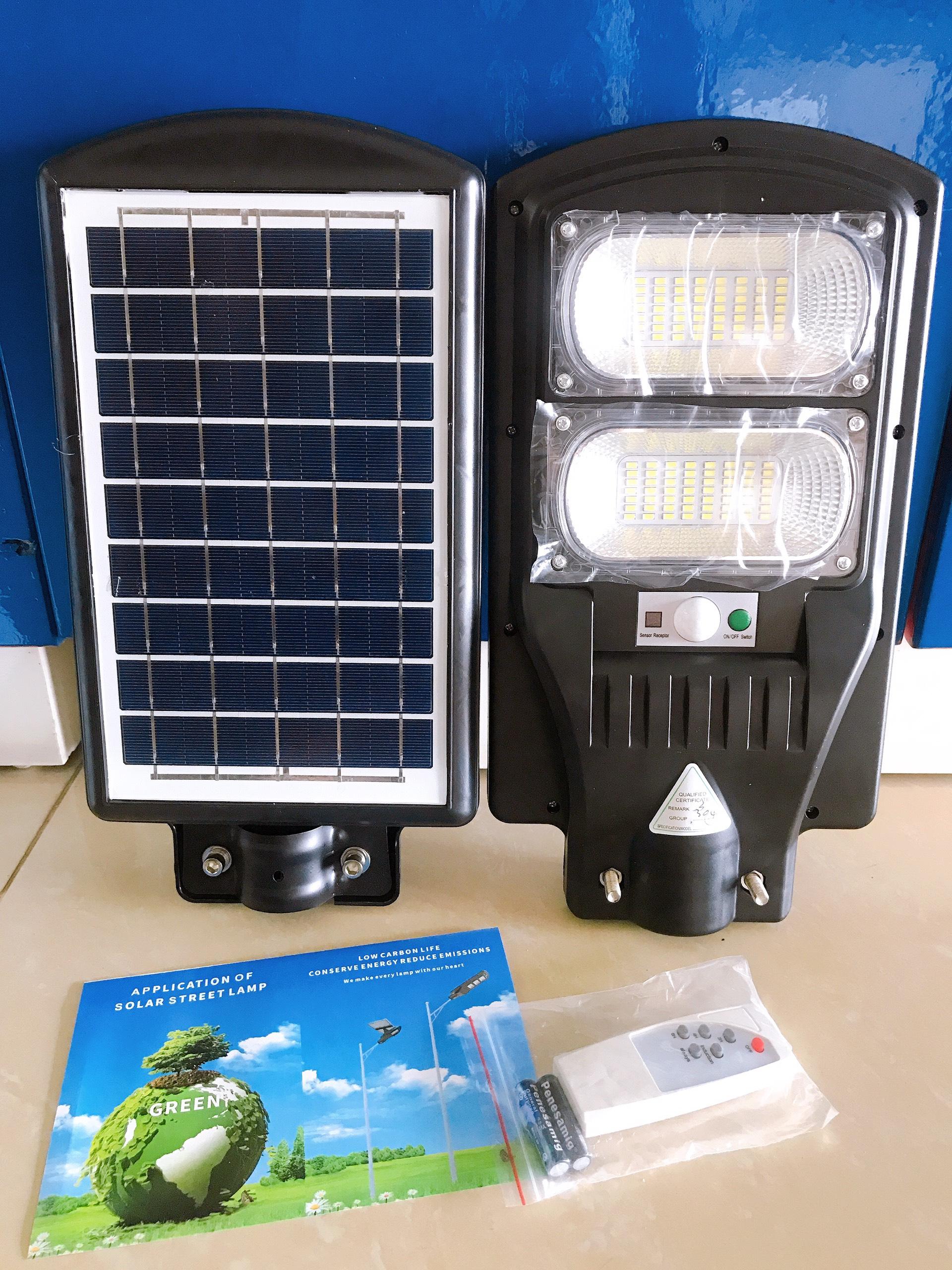 Đèn led năng lượng mặt trời 90W tấm pin liền thể