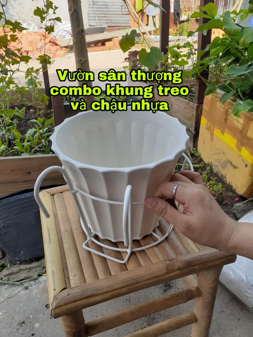 Chậu Nhựa Trắng Dày, Khía Dọc 220*180 mm