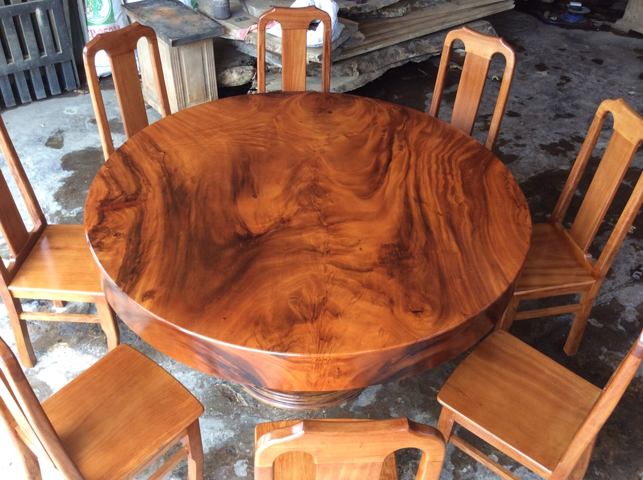 Xưởng sản xuất bàn tròn gỗ me tây nguyên tấm tại tphcm