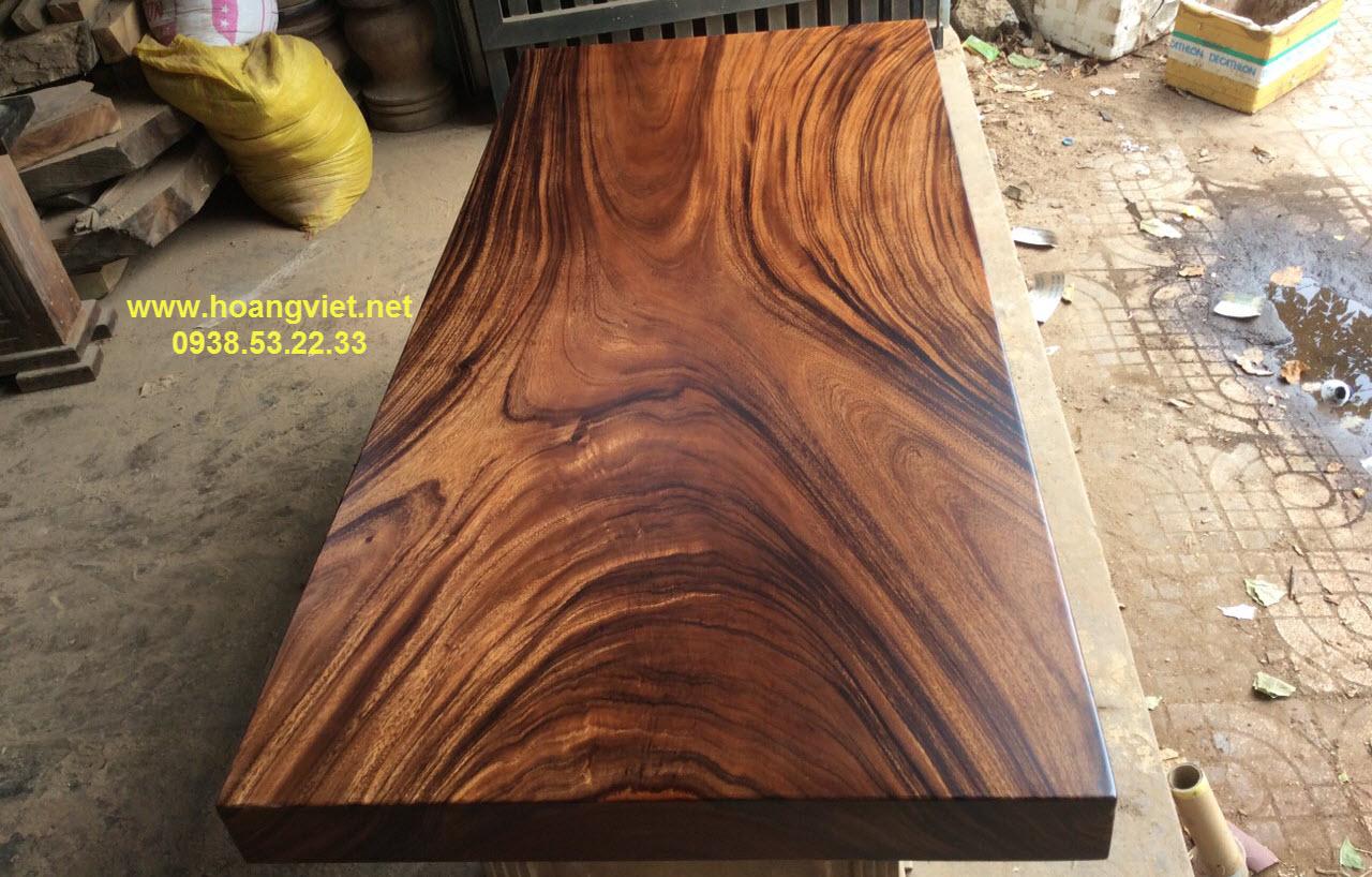 Vì sao mặt bàn gỗ me tây tphcm có sức lôi cuốn khiến cho nhiều người mê mẫn.
