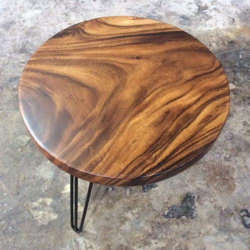 Vẻ đẹp kỳ diệu của bàn tròn chân sắt mặt gỗ me tây đường kính 60cm.