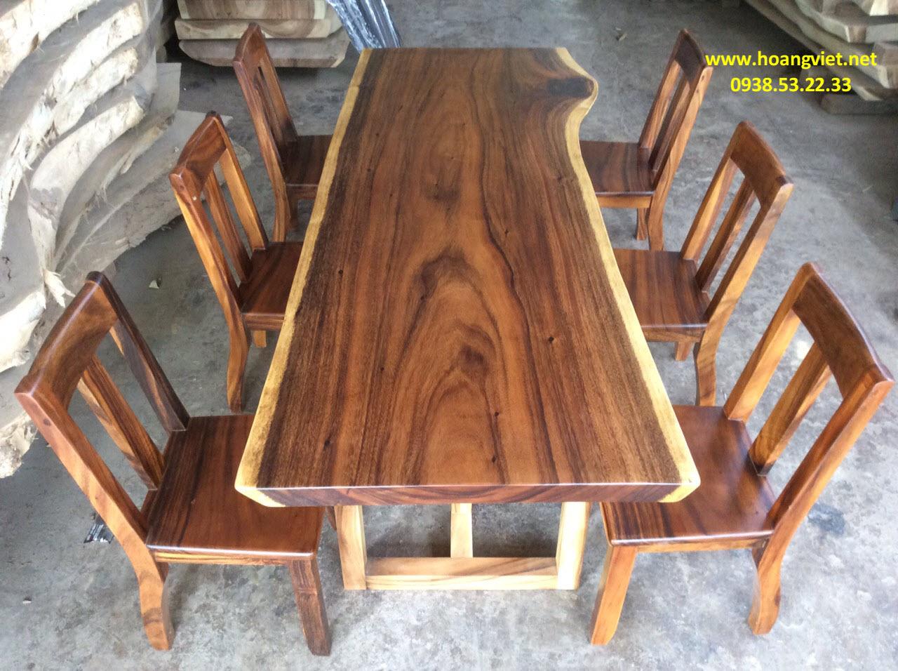 Những bộ bàn ghế gỗ me tây đẹp mê hồn với hệ vân siêu đẳng.