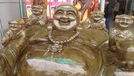 Bức tượng di lặc cao 1.3m