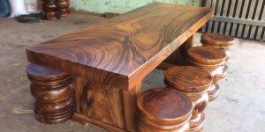 Hé lộ các mẫu bàn ghế nguyên khối có hệ vân tuyệt đẹp.