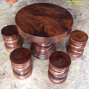 Bàn tròn gỗ me tây đk 98cm dày 12cm