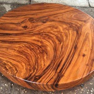 Bàn ăn tròn bằng gỗ