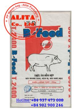 Bao đựng thức ăn gia súc